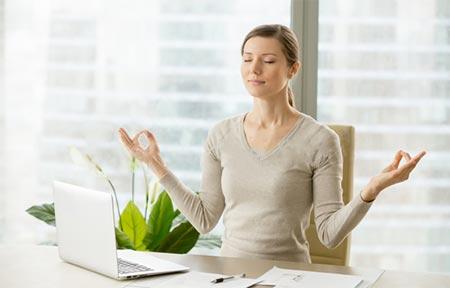 「繊細さんの幸せリスト」が紹介しているポイント「直感を高める繊細さん」のイメージ